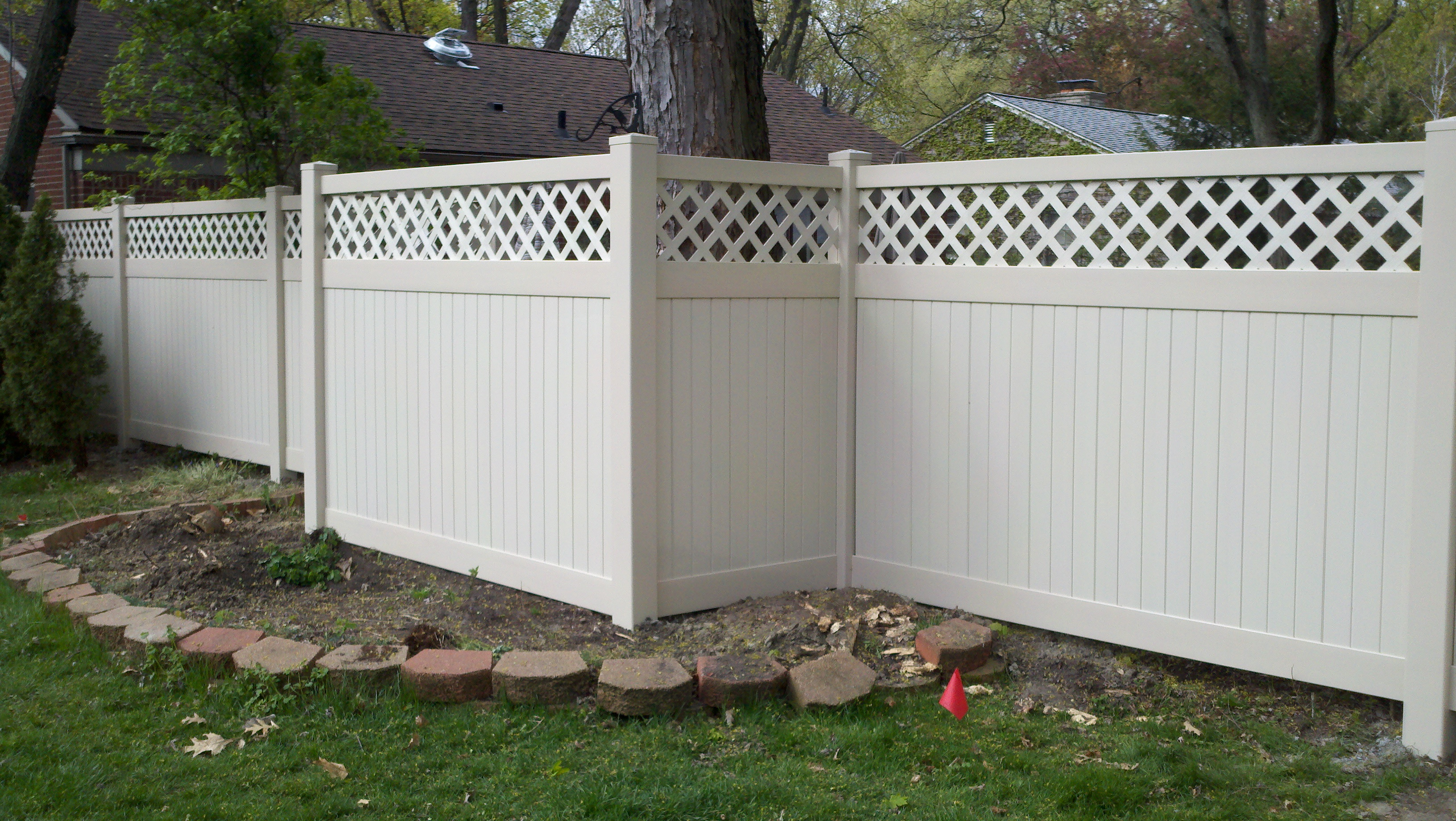 Lattice top vinyl privacy fence this baanklon Choice Image